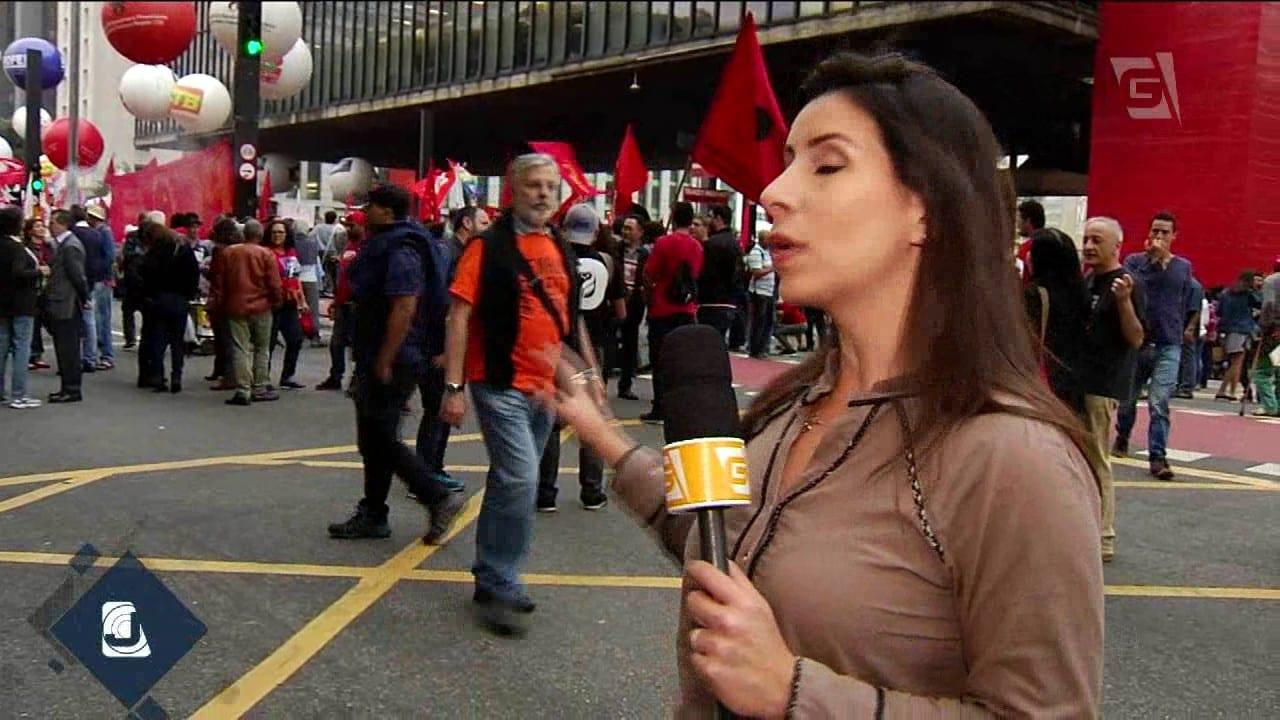 Dia de protestos e bloqueios de rua