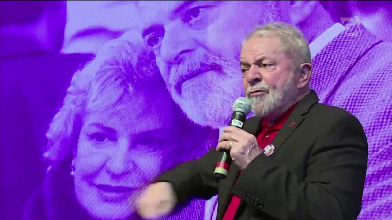 Moro bloqueia bens de Lula