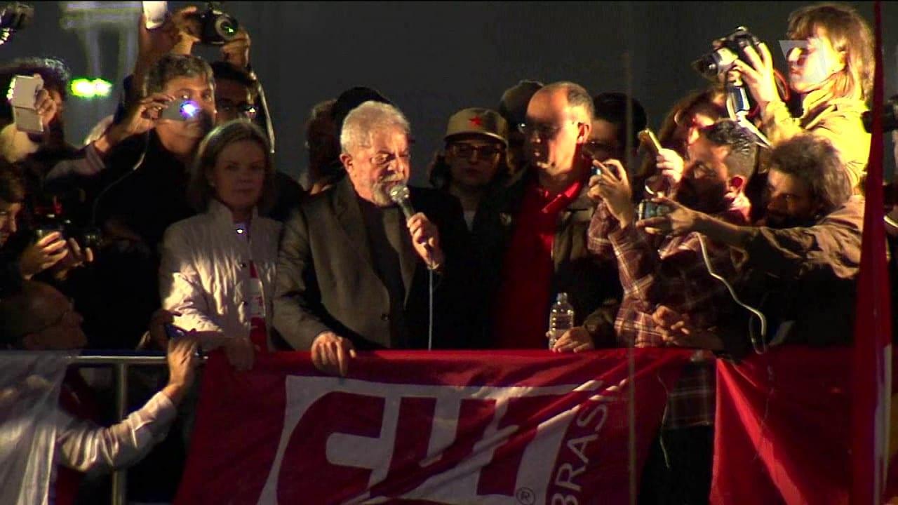 PT lidera ato pró Lula na Paulista
