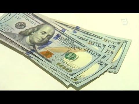 Quem vai para o exterior está de olho no dólar